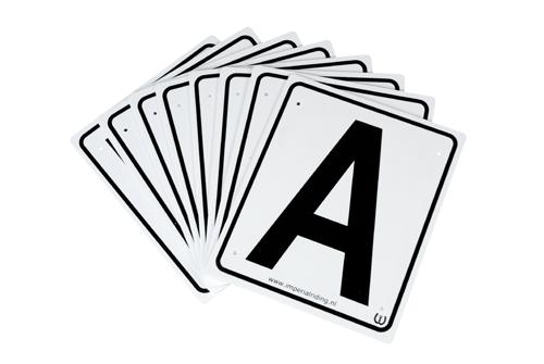 Manege letters 4x aanvulset 20x25cm